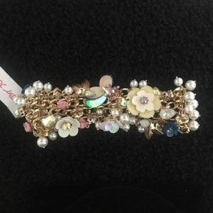 BETSEY JOHNSON Pearl Floral A/B Crystal Bracelet